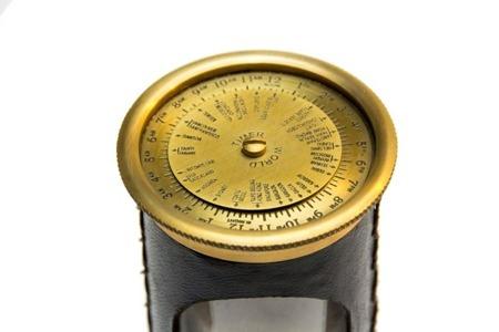 Klepsydra mosiężno-skórzana z zegarem kalendarzem